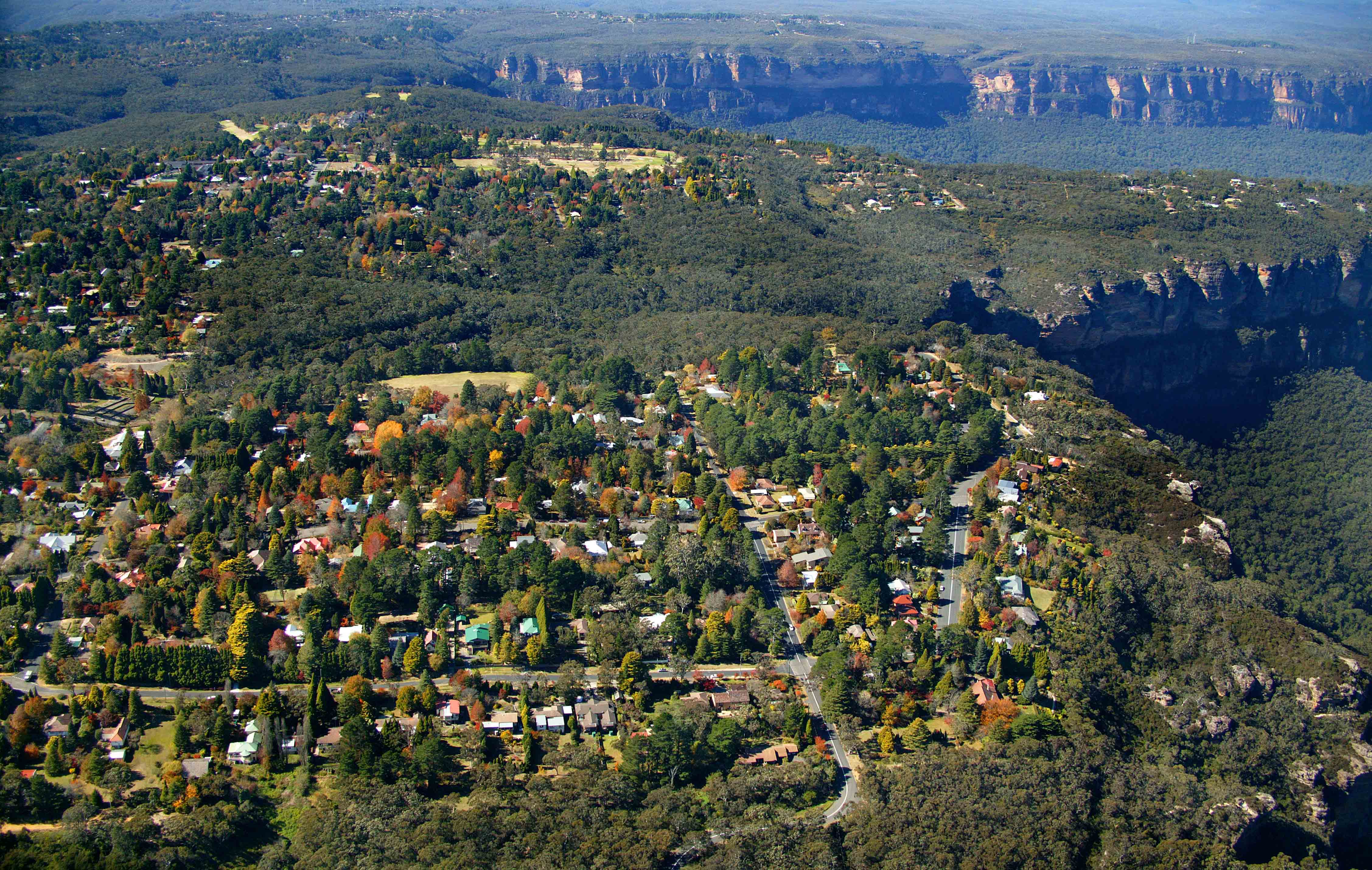An aerial view of residential homes at Katoomba