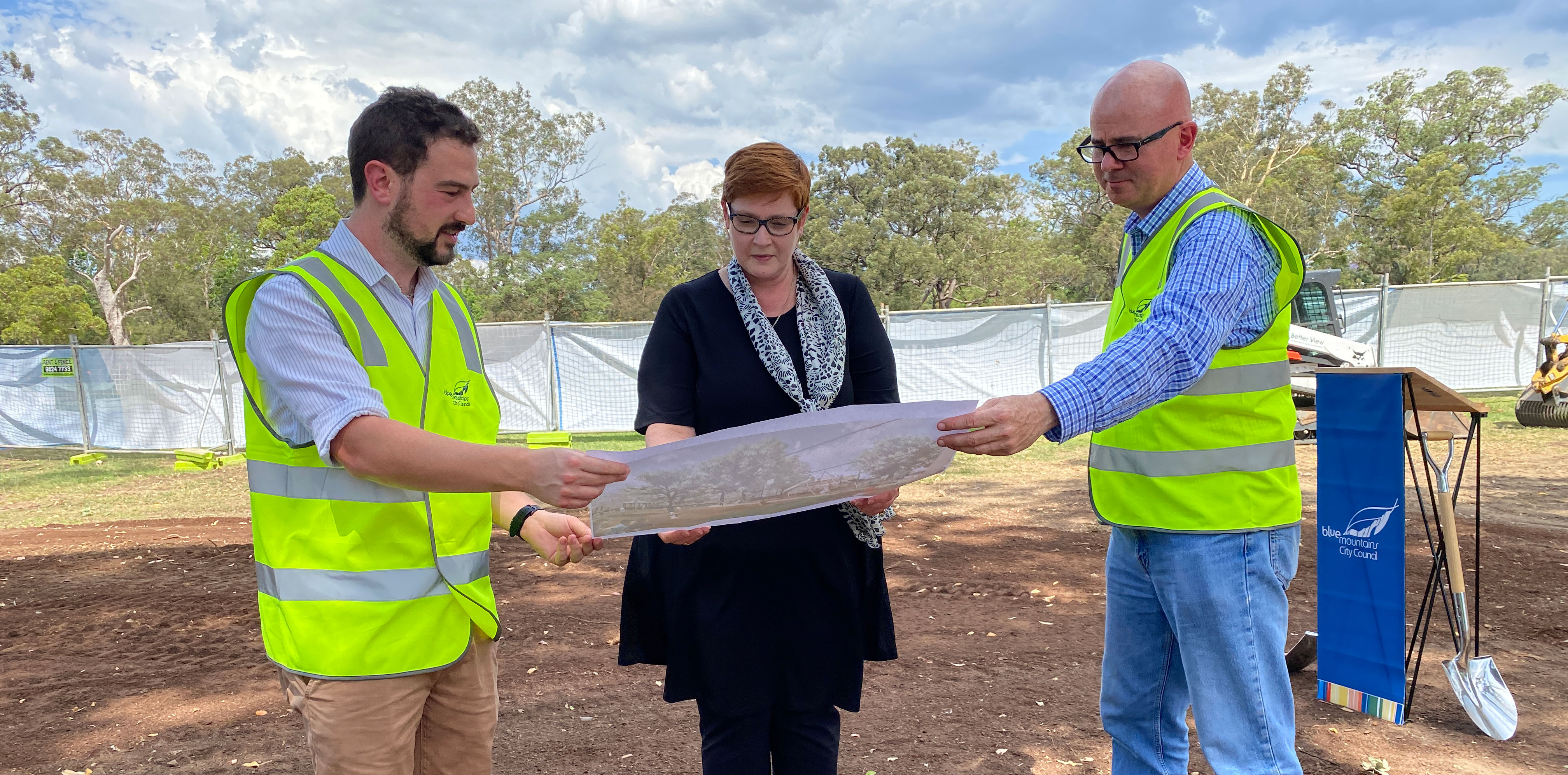 Blue Mountains Councillor Brendan Christie, Senator Marise Payne and Blue Mountains Mayor, Cr Mark Greenhill.