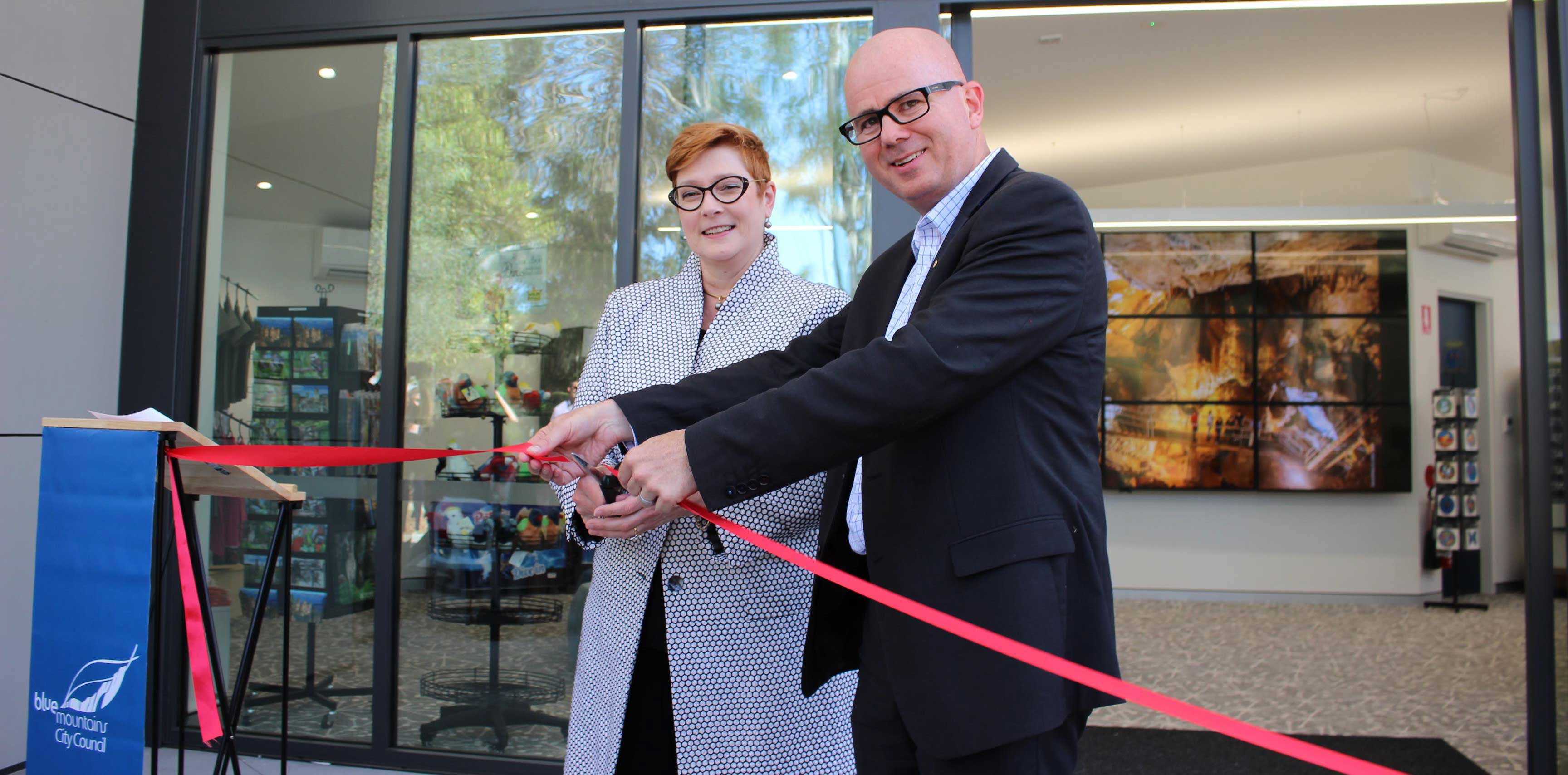 Mayor, Cr Mark Greenhill is joined by Senator Marise Payne, to official open the new, jointly funded, Blue Mountains Visitor Information Centre at Glenbrook.